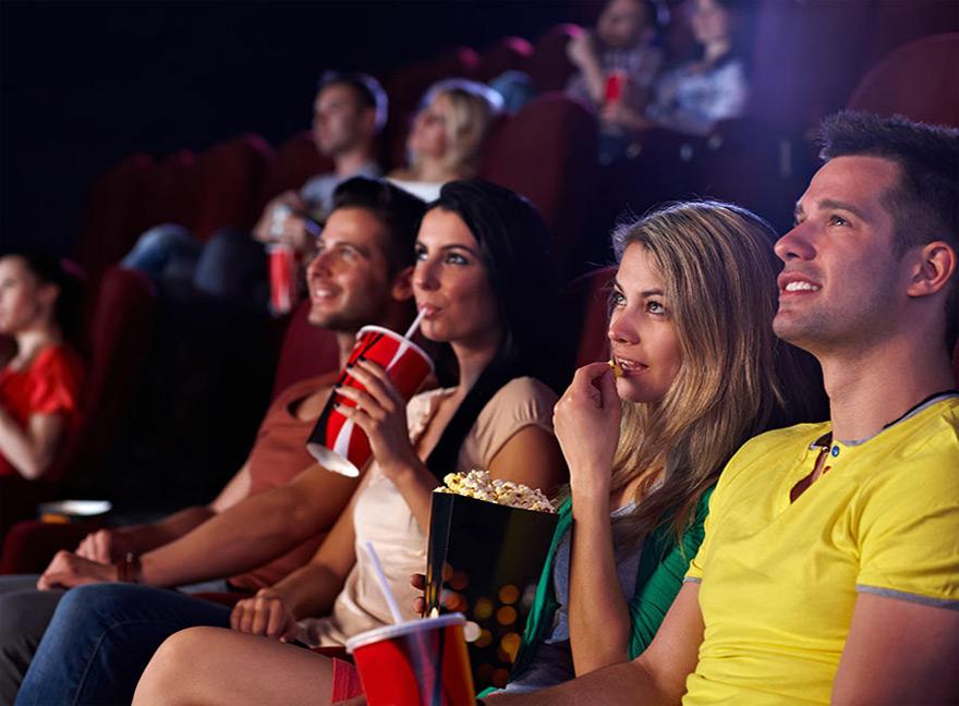 зрители на киноклубе французского кино
