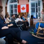 зрители канадский флаг